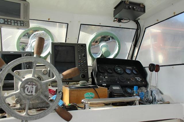 遊漁船 海龍 エサ釣り ジギング 釣具店 長久 星賀港 水槽 種類 豊富 釣り 操舵室