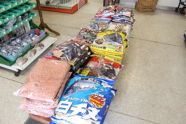 0:遊漁船 海龍 エサ釣り ジギング 釣具店 長久 星賀港 船釣り 釣り用具 店内 種類 豊富 ケース バッグ 靴